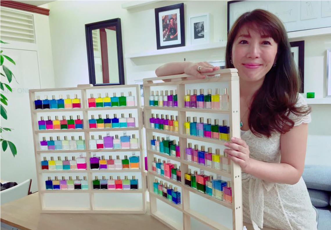 橋本恵実とボトルの写真